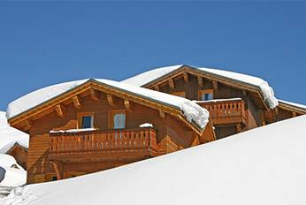 Stay in a chalet at the foot of the pistes.
